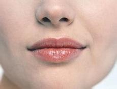 纹唇标准唇形
